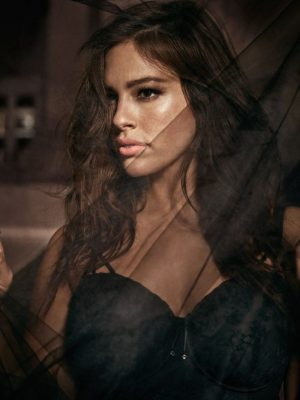 Plus Size Model Ashley Graham Launching '50 Shades of Grey' Inspired Lingerie Collection