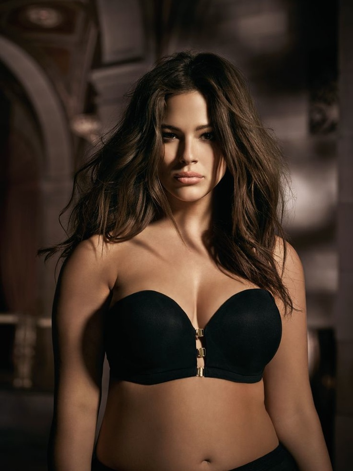 Ashley-Graham-Addition-Elle-Underwear-2015-Campaign05