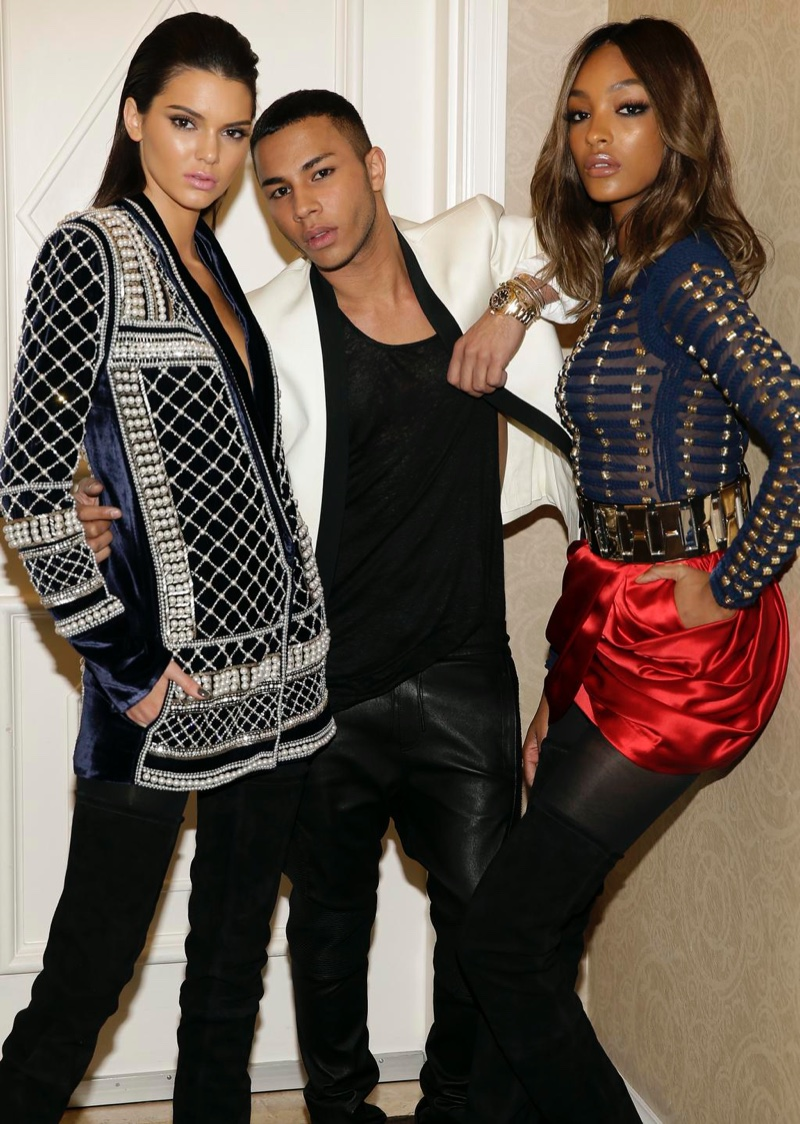 Olivier Rousteing poses with Kendall Jenner and Jourdan Dunn in the H&M x Balmain collection. Photo via Balmain.