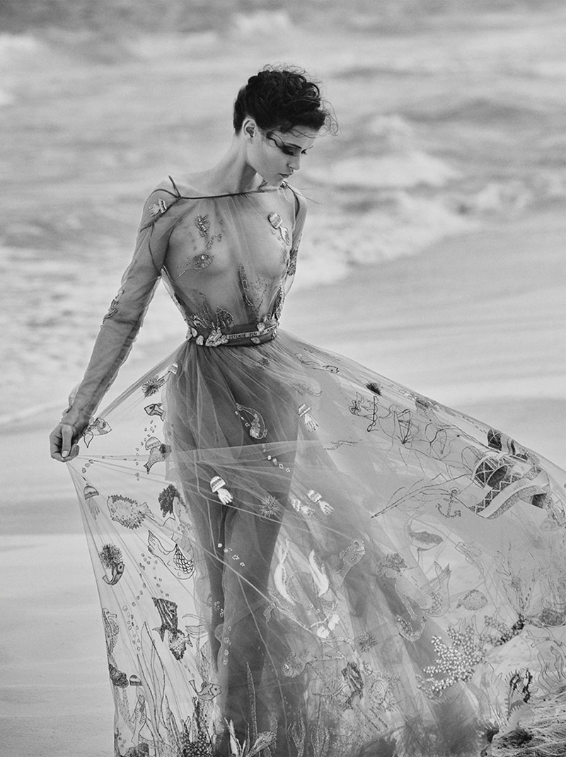 Chloe-Lecareux-Beach-Editorial02