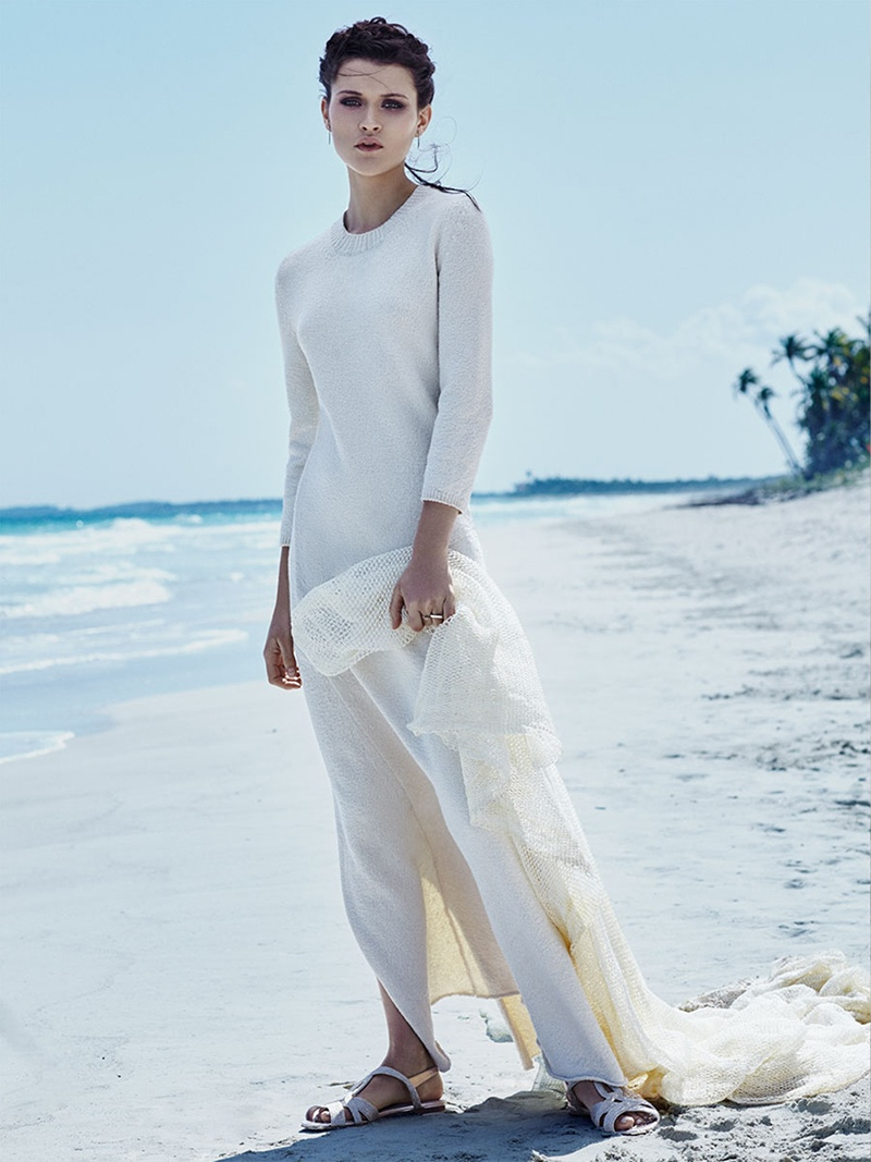 Chloe-Lecareux-Beach-Editorial10