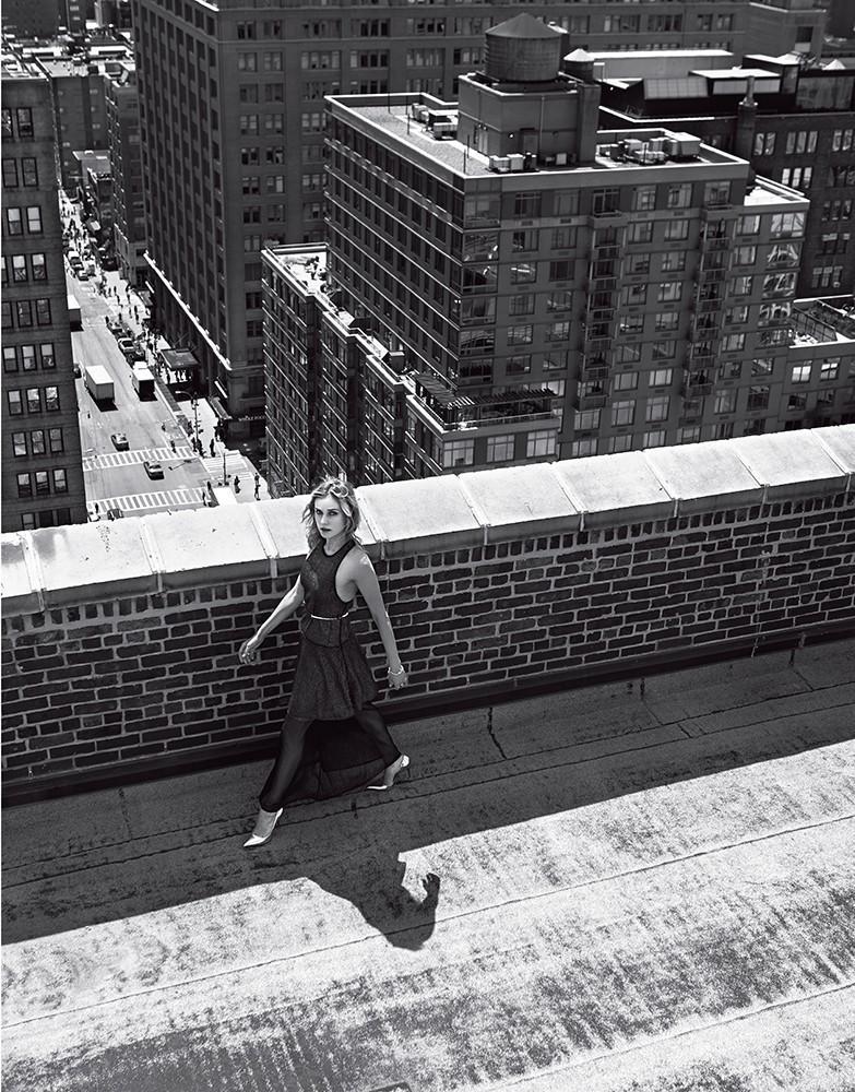 Diane Kruger struts her stuff for a stunning black & white image.