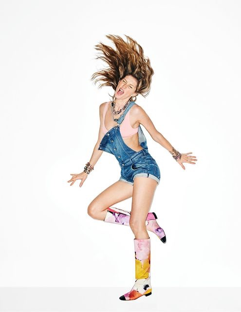 Gisele flips her hair in this energetic image