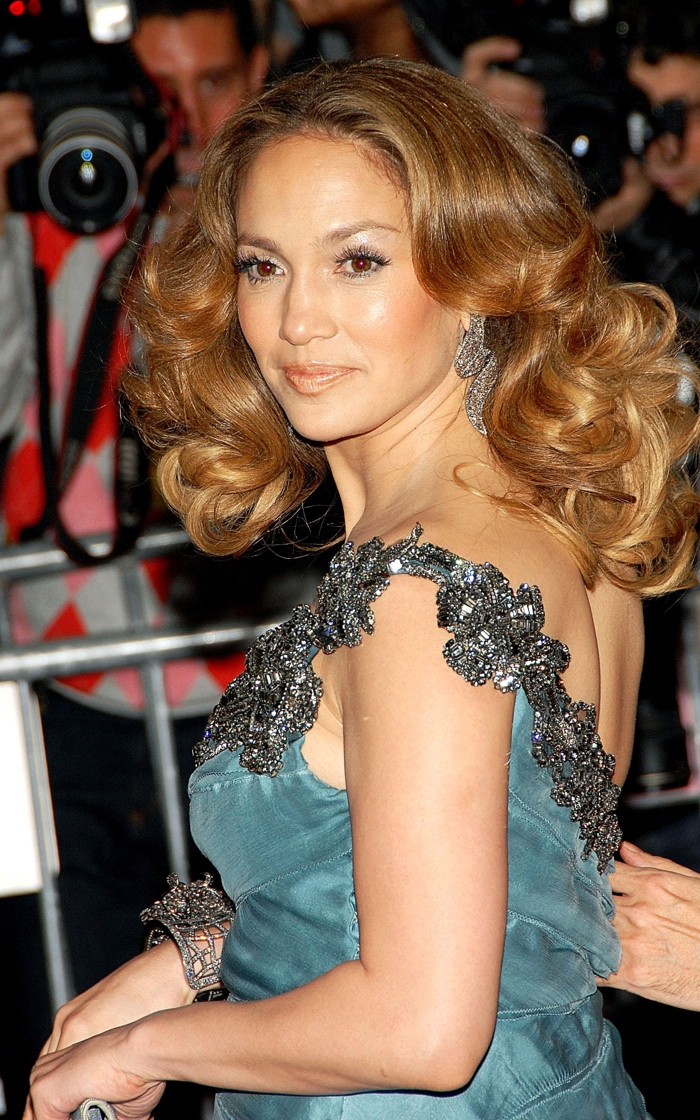 Here is Jennifer with a curly blonde hairstyle at the 2008 Met Gala. Photo: Everett Collection / Shutterstock.com