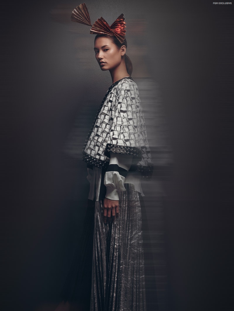 Jacket Chanel, Skirt: Proenza Schouler, Shirt Stella McCartney