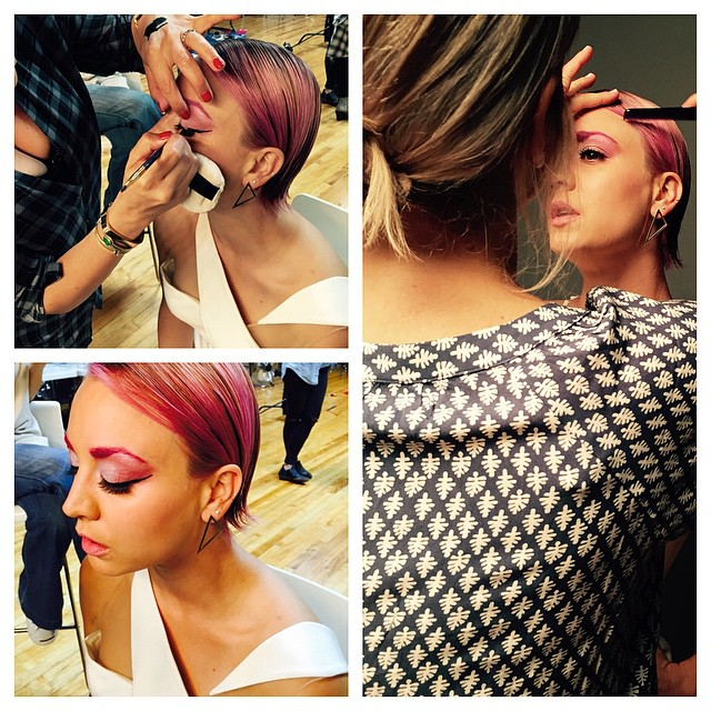 Kaley Cuoco debuted pink eyebrows to go along with her pink hairstyle