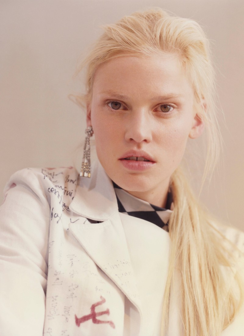Lara Stone rocks a clean, au natural makeup look for the pages of V magazine.