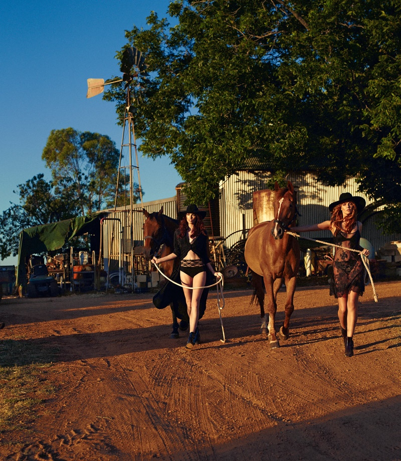 Tiah & Simone lead horses for the perfect cowgirl moment