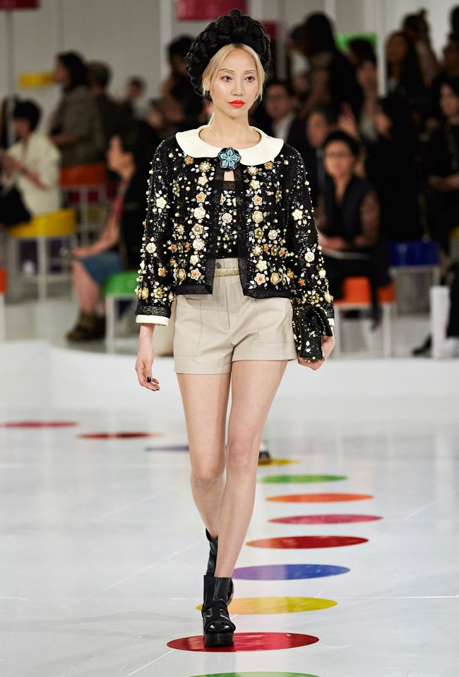 Chanel Goes to Korea for its Cruise Runway Show | Fashion ...