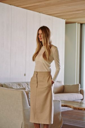"Elle Macpherson: ""Being Healthy is More Important Than a Number on the Scale"""