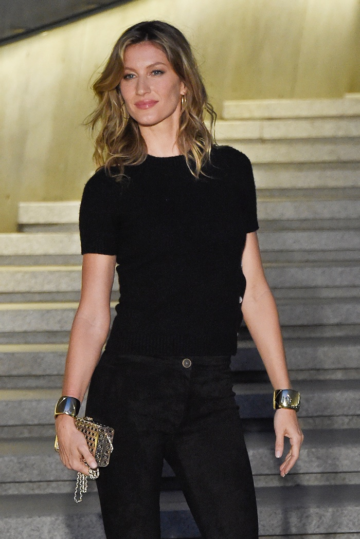 Gisele Bundchen at Chanel's Cruise 2016 show in Korea