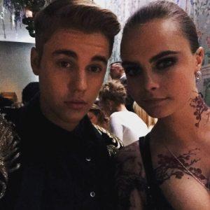 What Selfie Ban? These Celebrities Used Social Media at the Met Gala