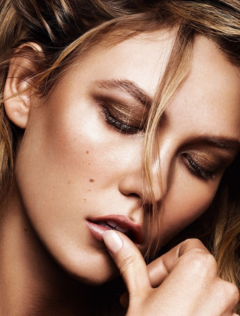 Karlie wears smokey eyeshadow