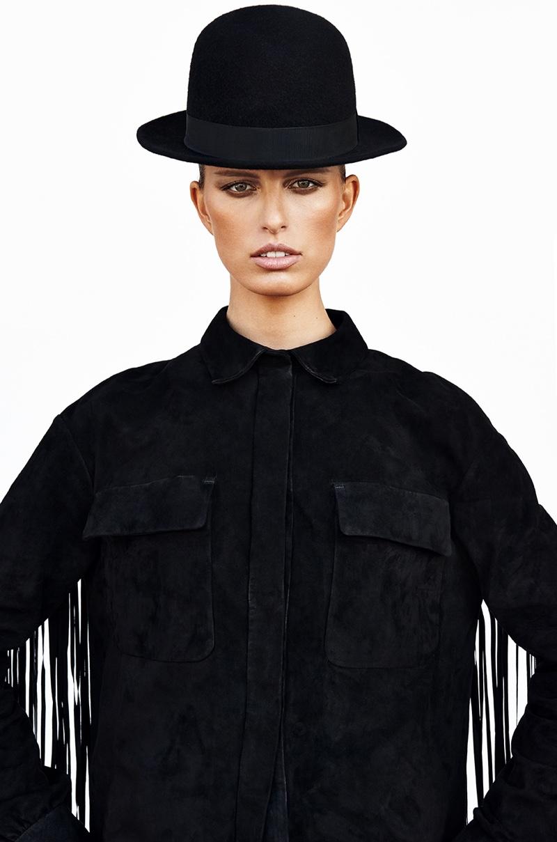 The Czech model wows in fringe