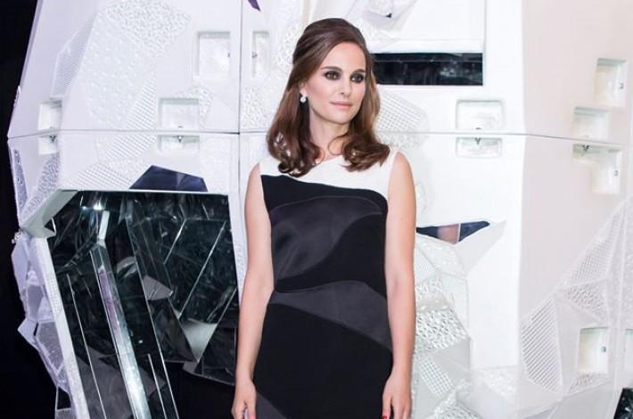 natalie-portman-black-white-dior-dress
