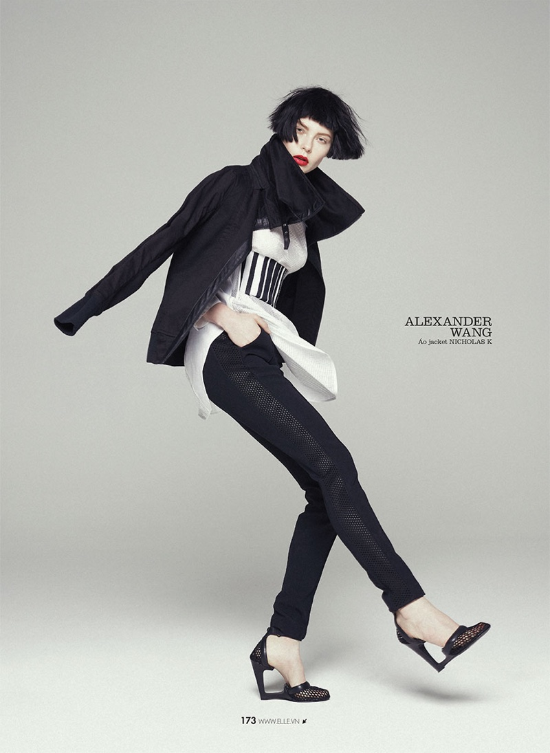 She also rocks monochrome look featuring slim-fit pants and a black jacket