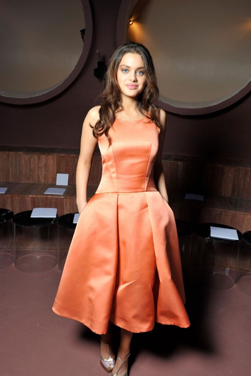 Odeya Rush in a Dior rose silk leather satin dress. Photo: Getty Images