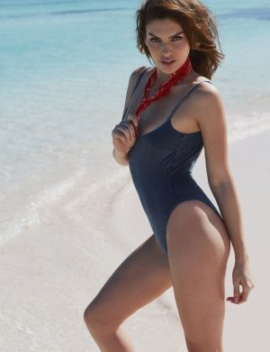 Alyssa Miller Rocks Beach Style in Xavi Gordo Photos for ELLE Spain
