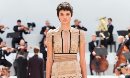 Burberry-Spring-Summer-2016-Lace-Dresses03