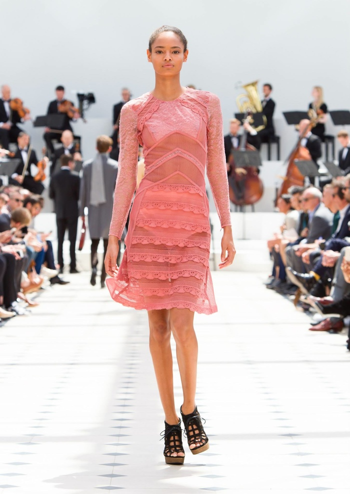 A look from Burberry's spring-summer 2016 collection