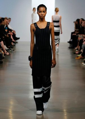 Calvin Klein Collection Takes On Graphic Style for Resort 2016