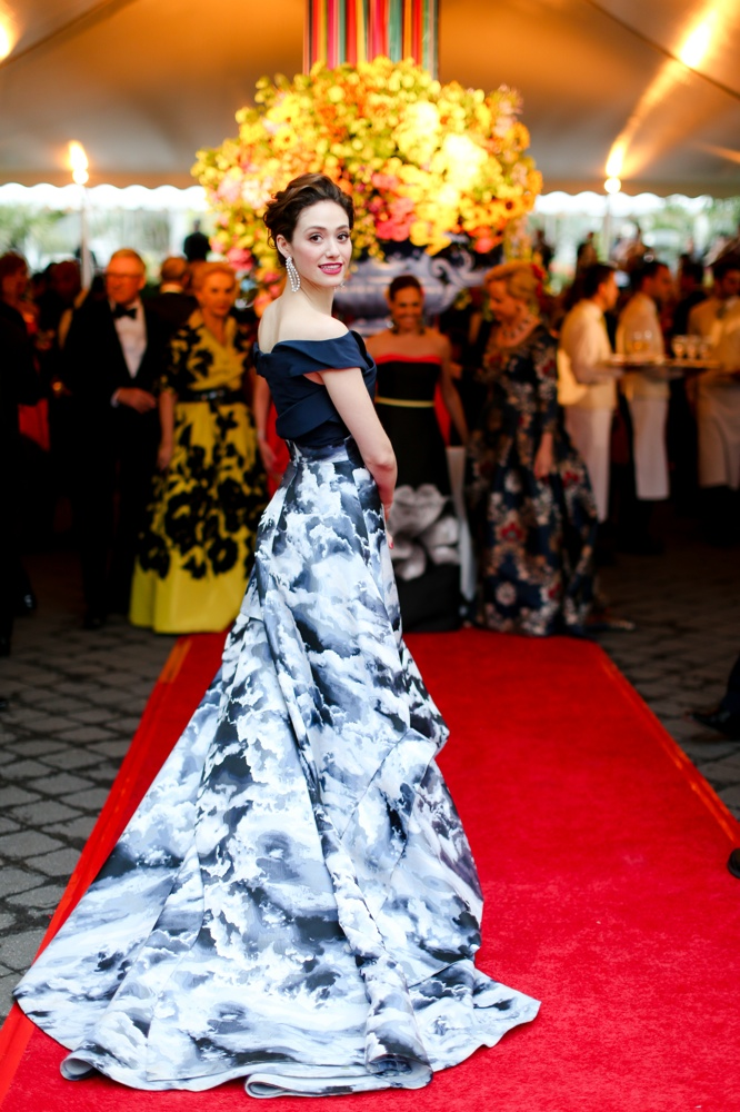 Emmy Rossum wears Carolina Herrera dress to the New York Botanical Garden's 2015 Conservatory Ball. Photo: BFA