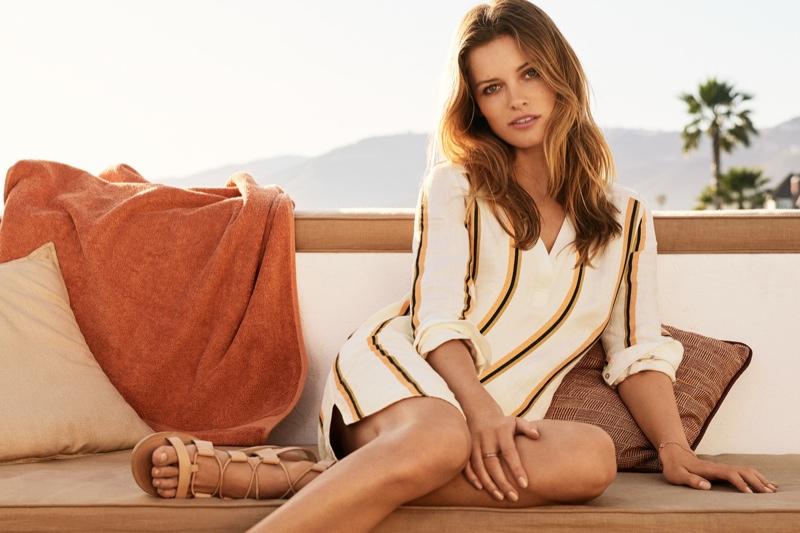 Edita models a tunic look