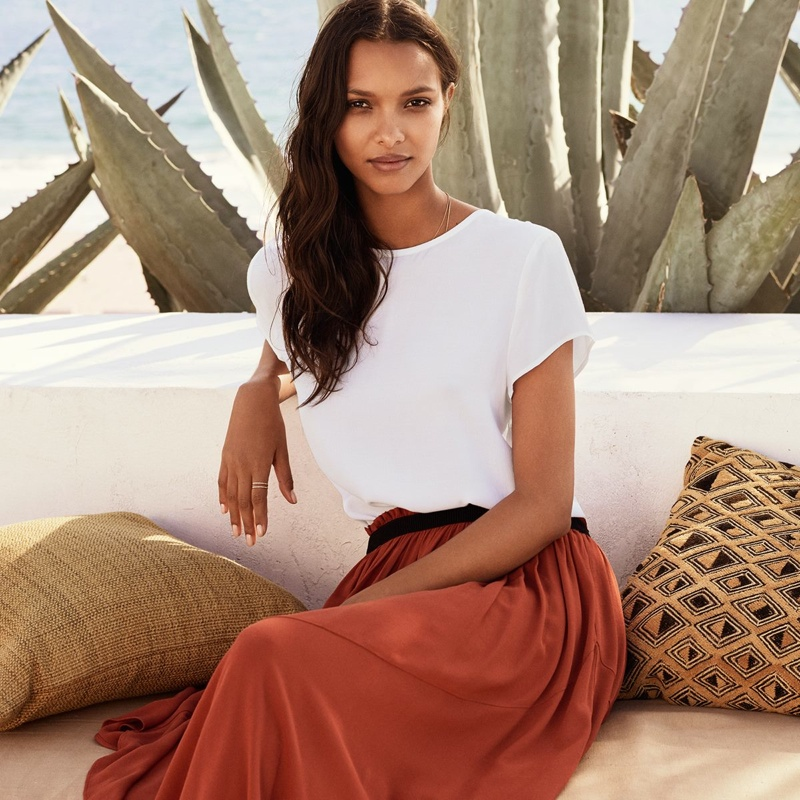 Lais Ribeiro Goes Seaside for H&M Summer Style Book