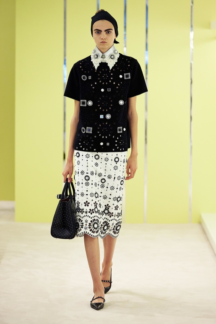 A look from Marc Jacobs' resort 2016 collection