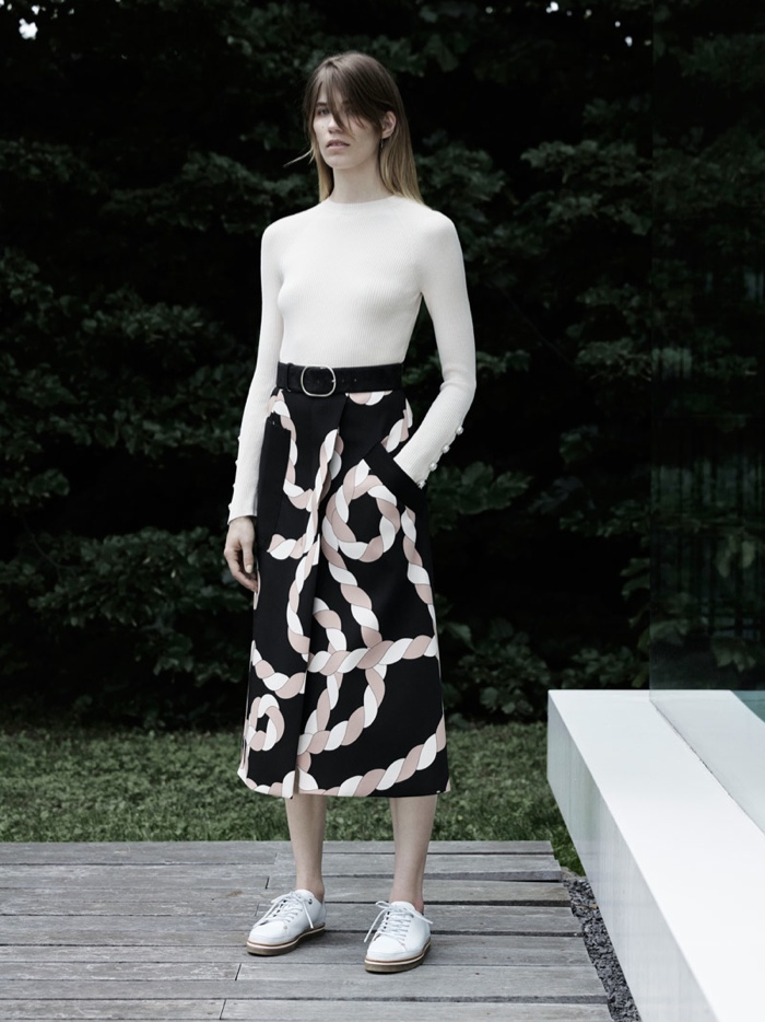 A look from Sportmax's resort 2016 collection