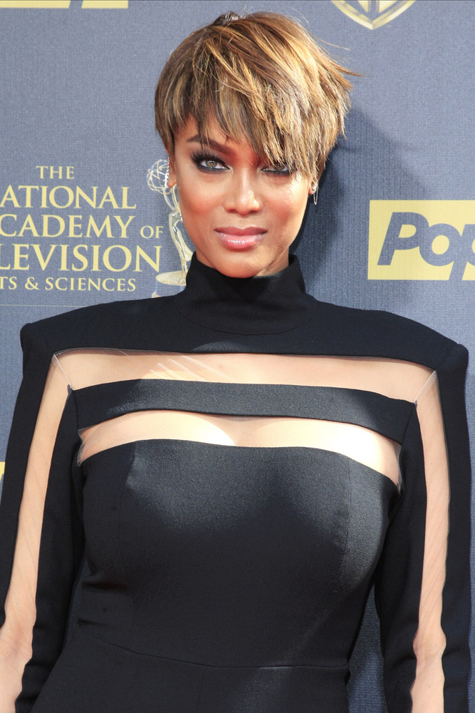 """Tyra Banks Goes Makeup Free: """"You Deserve to See the Real Me"""""""