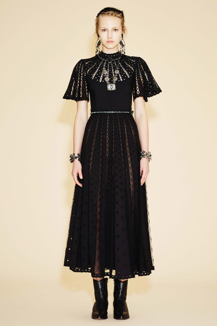 Valentino Resort 2016: The Eye Has to Travel
