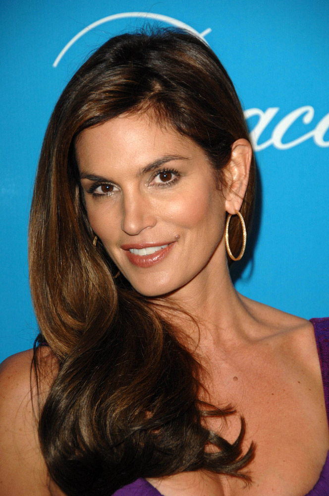 Cindy Crawford is Producing 80s Supermodel Drama