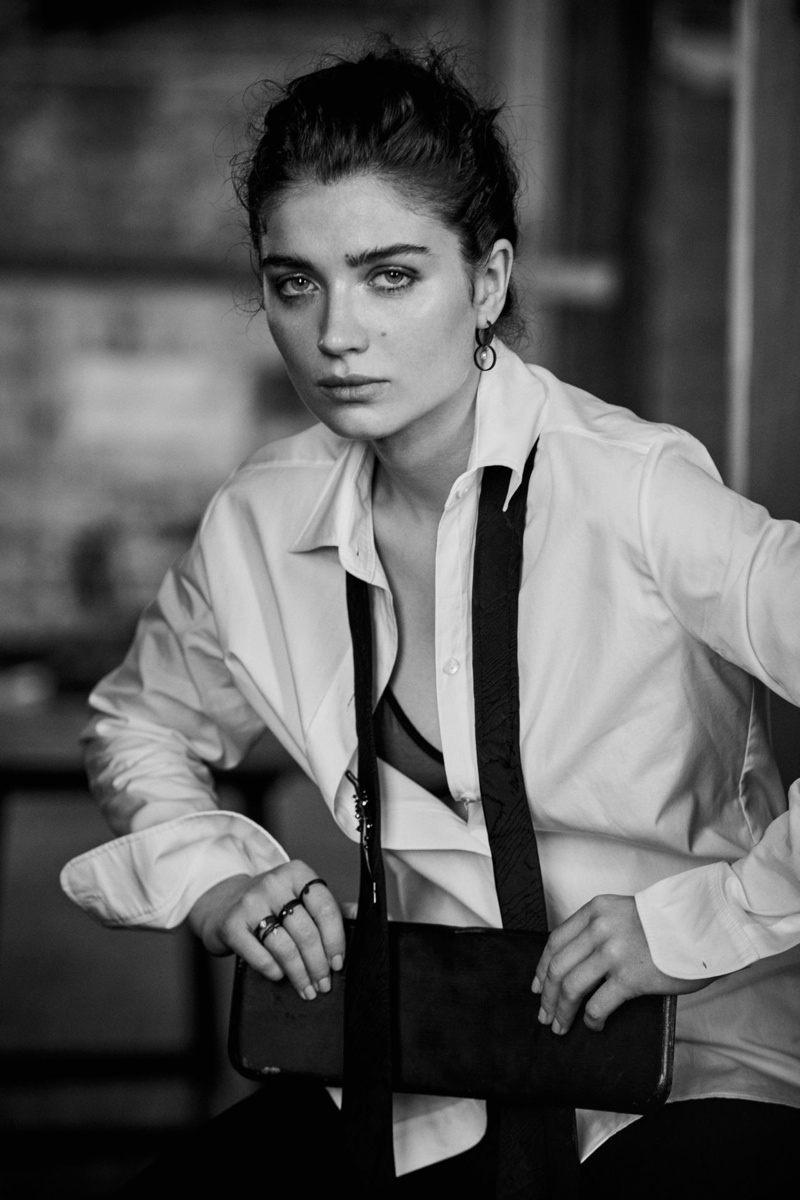 Eve Hewson Named a 'Modern Swan' by Town & Country