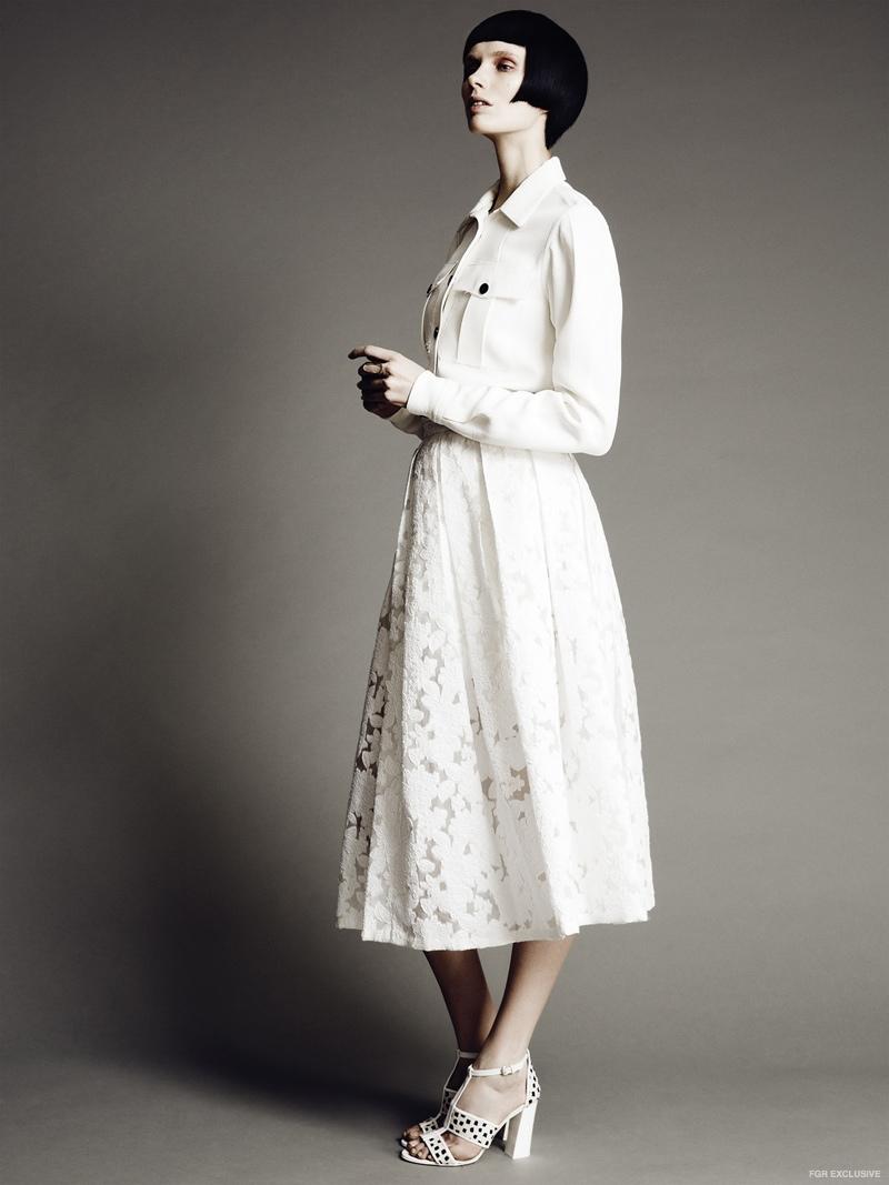 Skirt Michael Kors, Shirt Zac Posen, Shoes Max Mara, Ring The Lab by Laura Busony