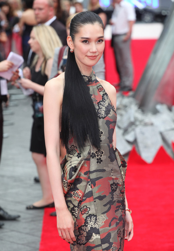 Find Out Tao Okamoto's Role in 'Batman v Superman'