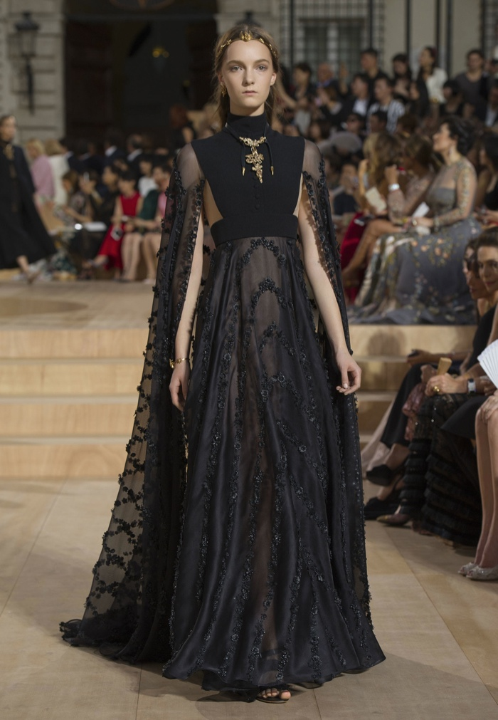 valentino fall 2015 haute couture. Black Bedroom Furniture Sets. Home Design Ideas
