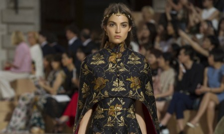 A look from Valentino's fall 2015 haute couture collection