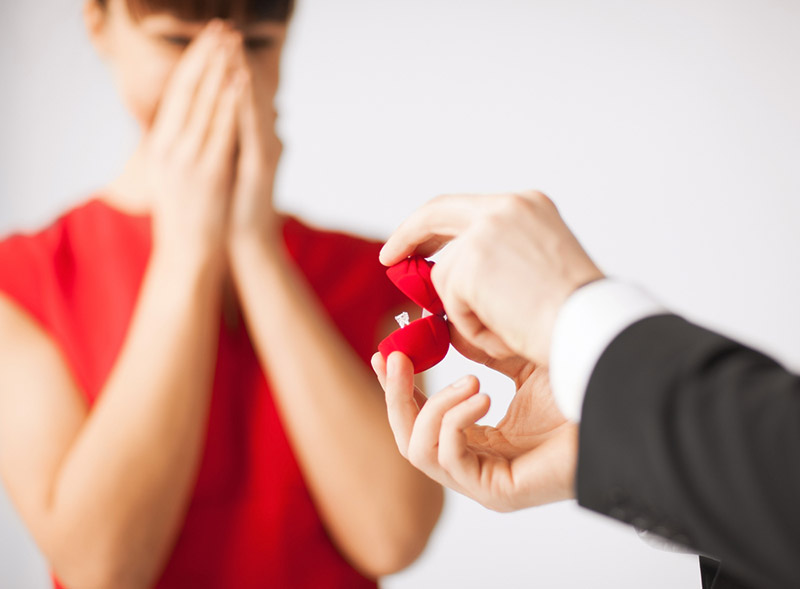 Shopping for the perfect engagement ring can lead to a perfect moment. Photo: Shutterstock.com