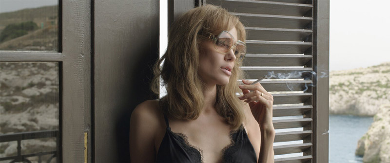 Angelina Jolie Goes Blonde, Acts with Brad Pitt in 'By the Sea' Trailer