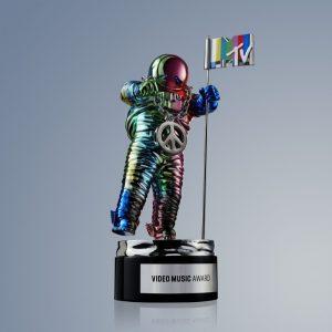 Rainbow Connection: Jeremy Scott Redesigned the MTV VMAs Moonman