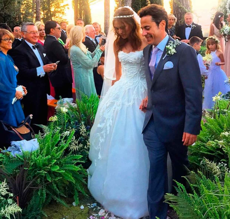 Lana Zakocela and Justin Etzin marry in Florence, Italy