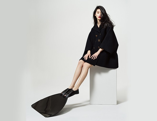 Ming Xi Harpers Bazaar Hong Kong August 2015 Cover Photoshoot03
