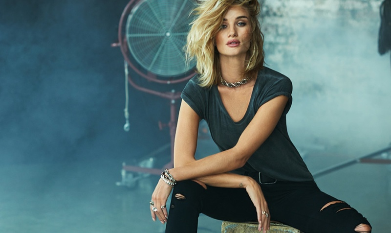 Rosie-Huntington-Whiteley-Paige-Denim01