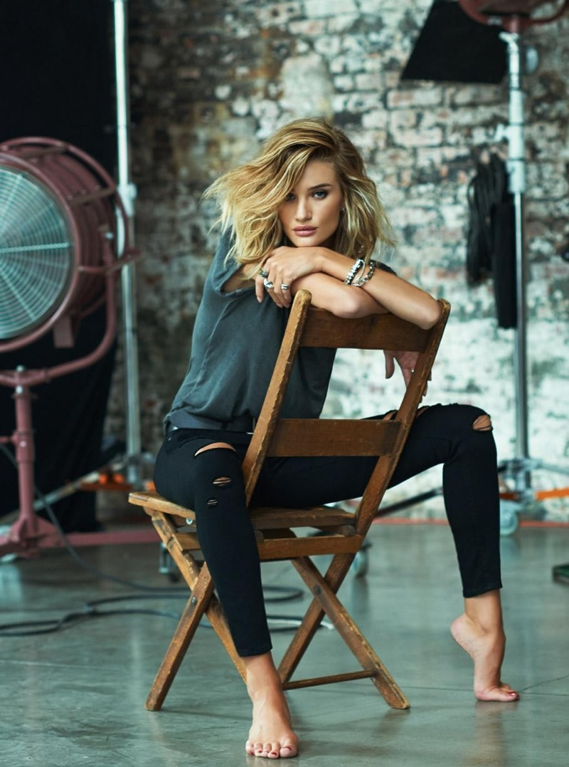 Rosie Huntington-Whiteley is Pure Bombshell in Paige Denim ... Rosie Huntington Whiteley Lipstick