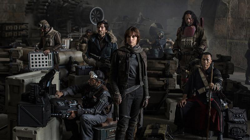 Felicity Jones Takes the Spotlight in 'Star Wars: Rogue One' Still