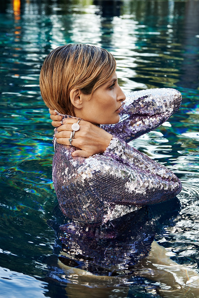 Tereza goes poolside for the editorial