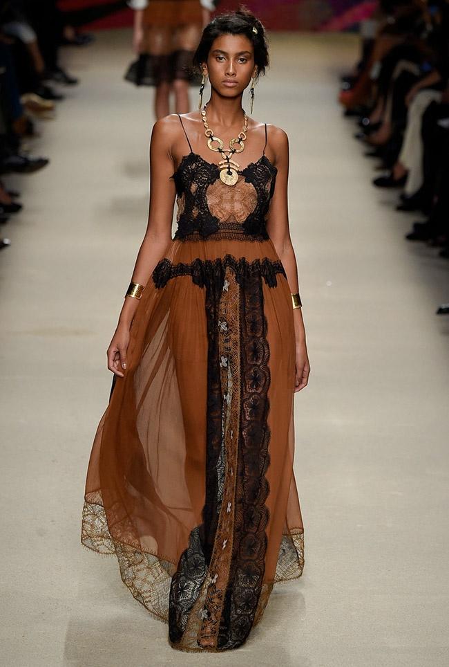 Alberta Ferretti Spring 2016 | Milan Fashion Week
