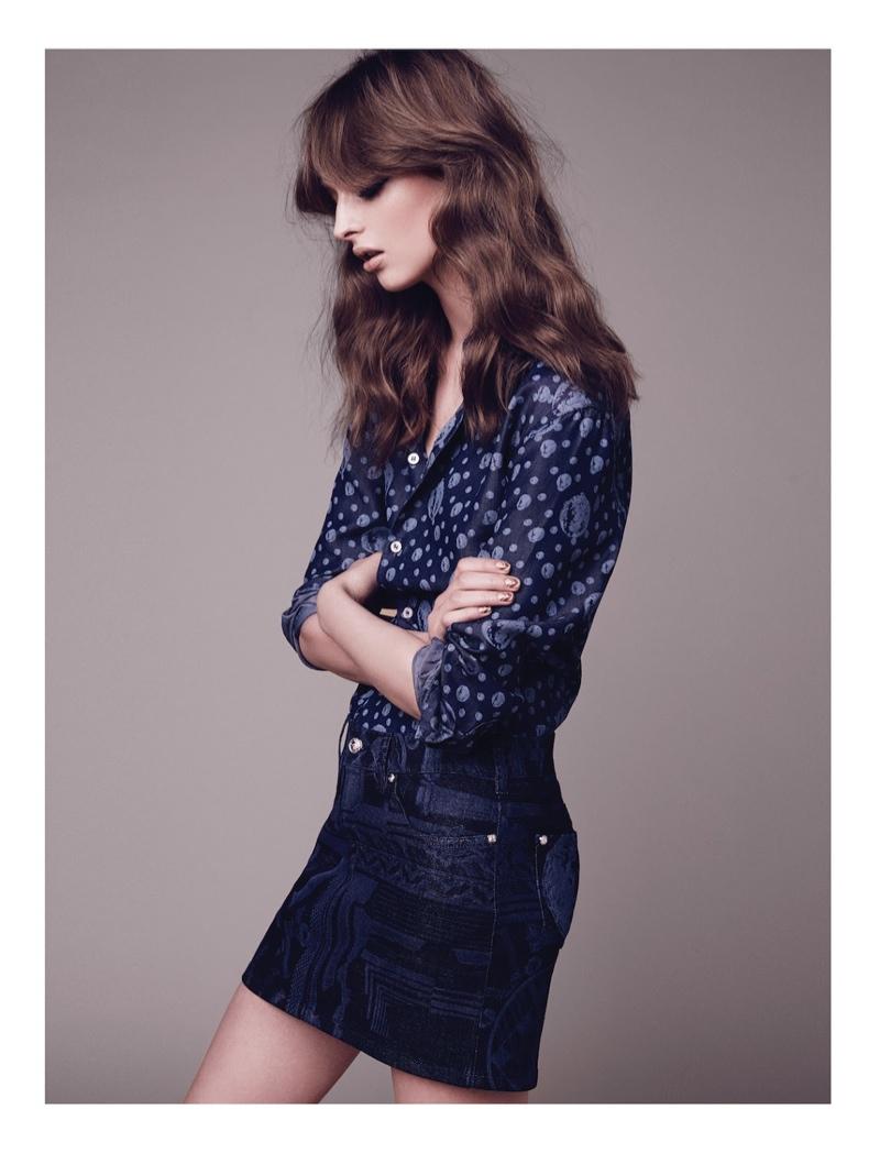 Daga Ziober Models Retro Chic Style for Manifesto