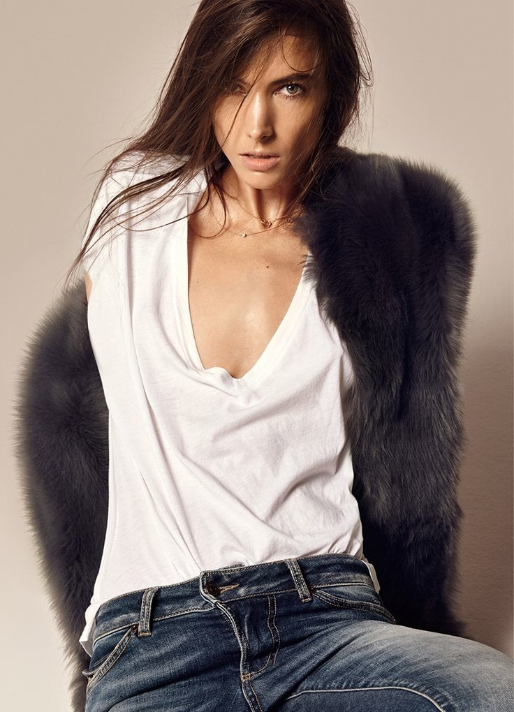 Jessica models denim, tee and fur piece from Hunkydory